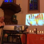 Louis lit la prière pour les tortionnaires