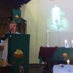 Annie Itty propose le geste symbolique de la veillée.