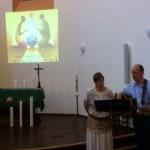 Frédérique & Paul Meyer animent la veillée par leurs musiques et chants.